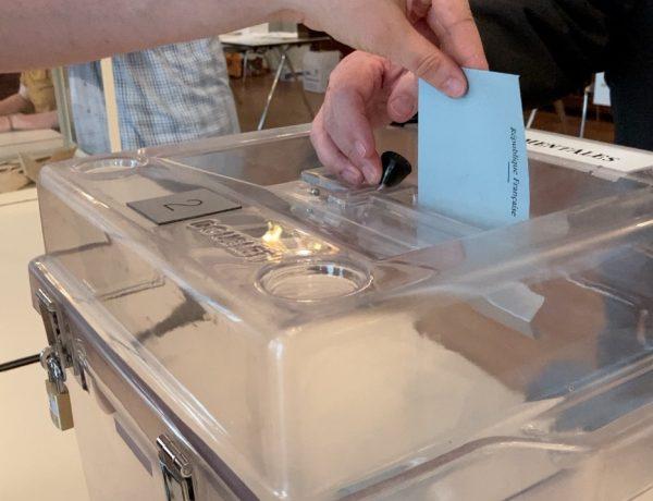 Élections départementales et régionales : un taux d'abstention record à midi